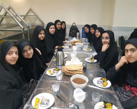 زیارت امام رضا (ع) و شرکت در همایش مدارس اسلامی مشهد