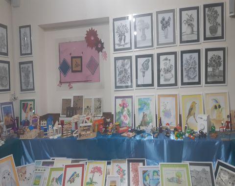 نمایشگاه آثار و تولیدات دانش آموزی